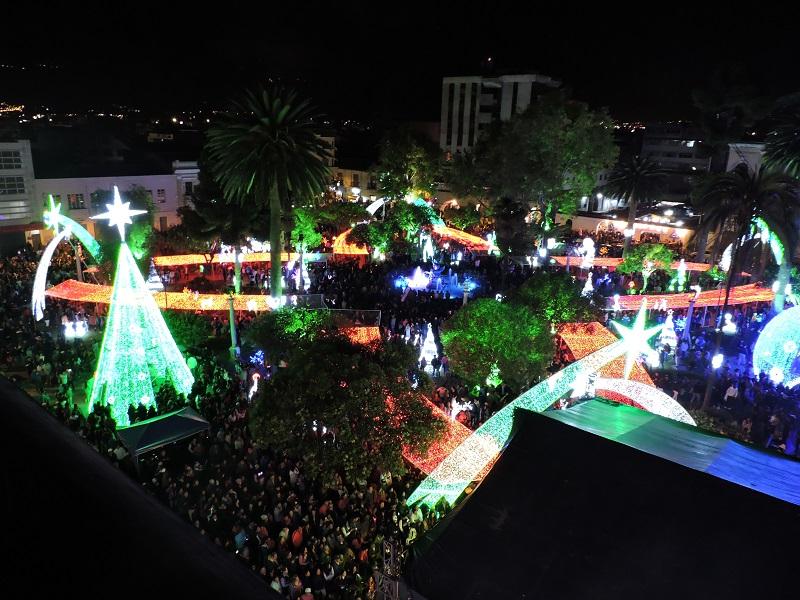 EERSA prendió la Navidad en Riobamba