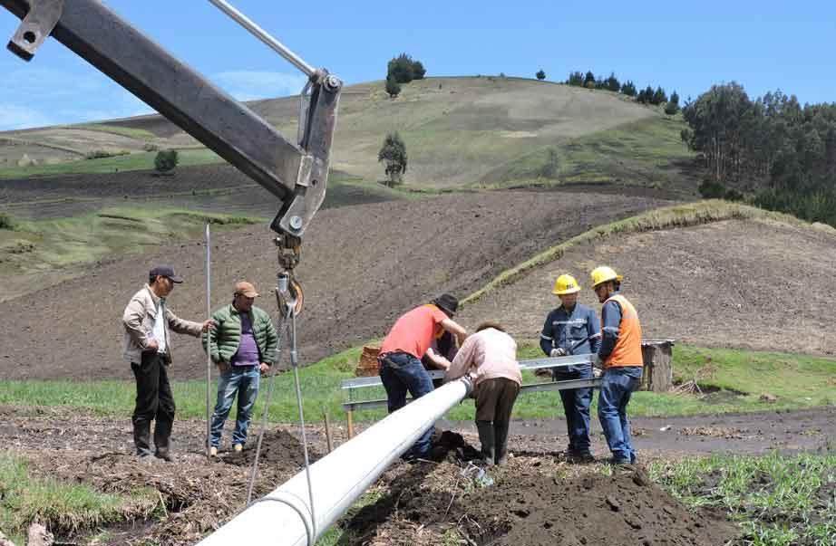 Proyecto eléctrico de la EERSA en Balda Lupaxí impulsa la seguridad