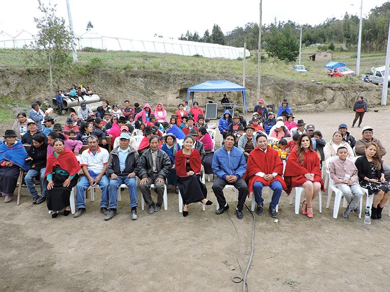 EERSA entregó proyectos en Riobamba y Alausí