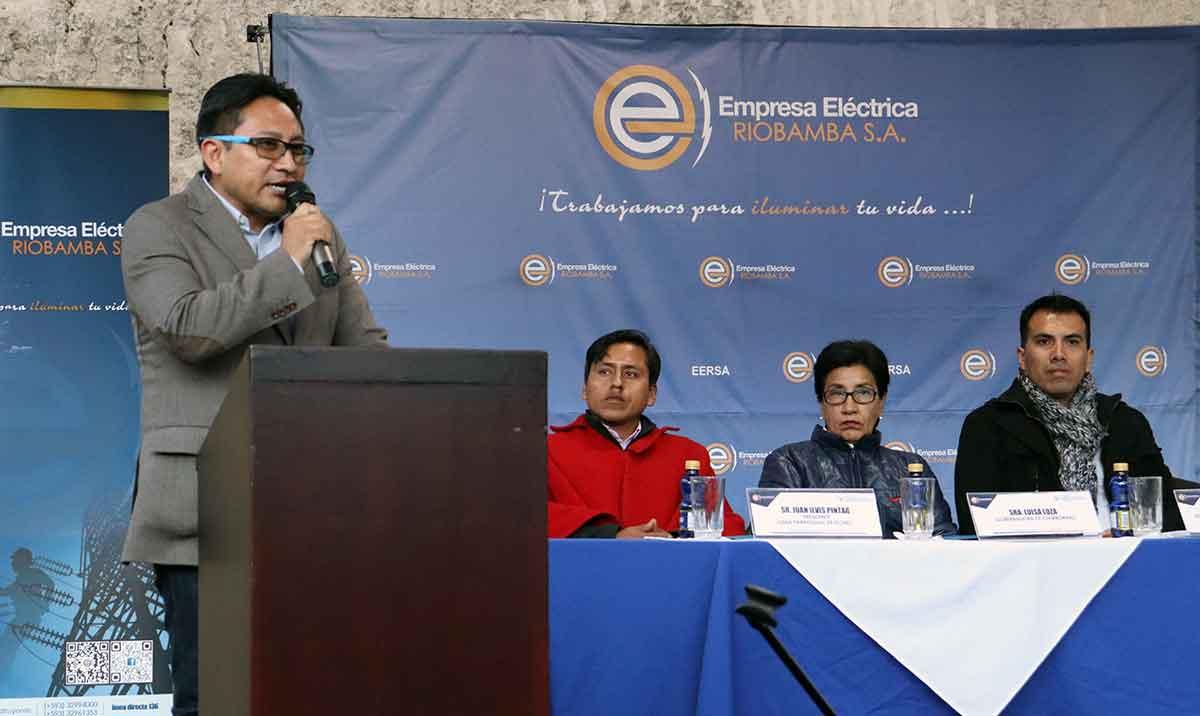 Comunidades de Riobamba y Colta se benefician de infraestructura eléctrica