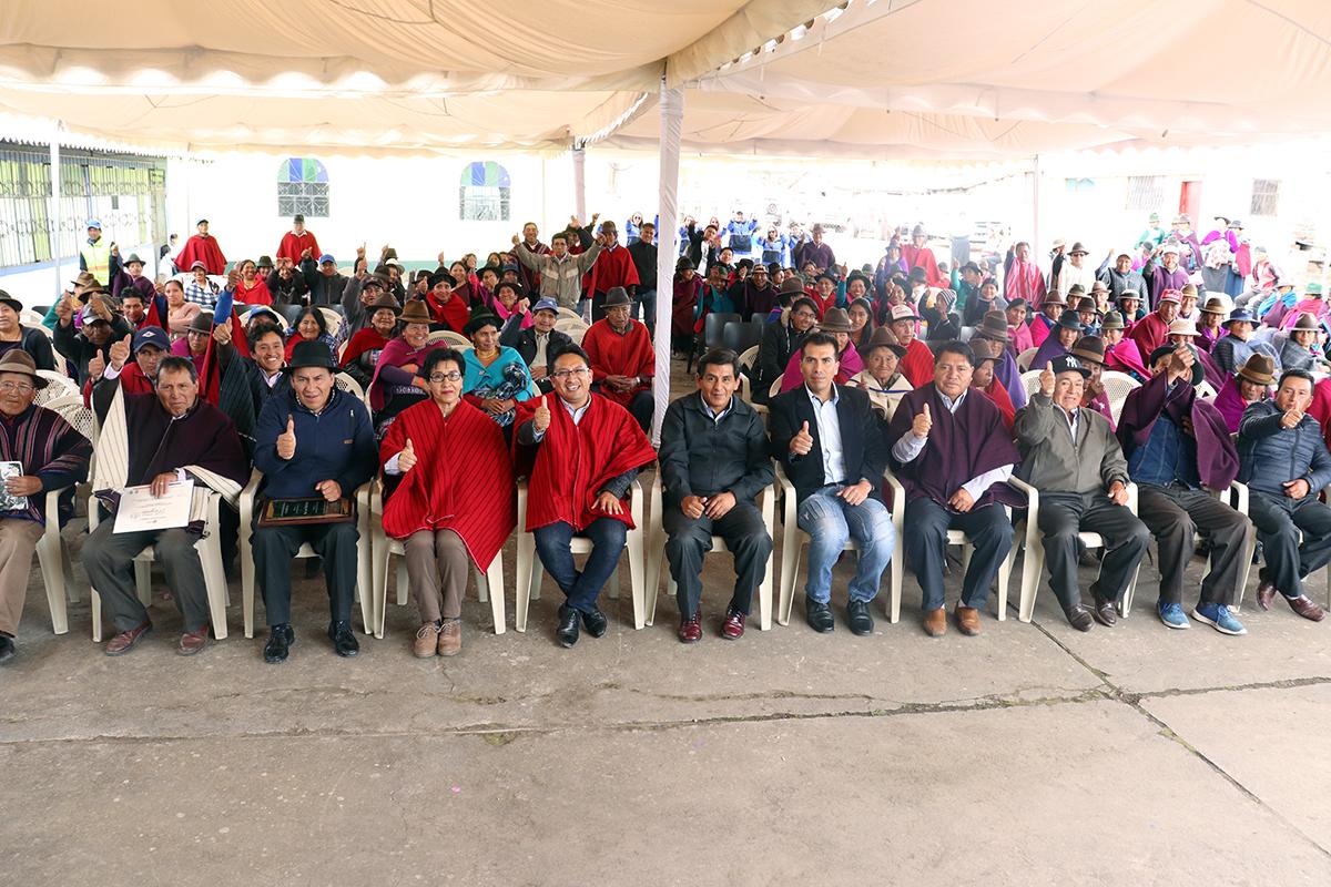 Comunidades de Chimborazo recibieron obras eléctricas