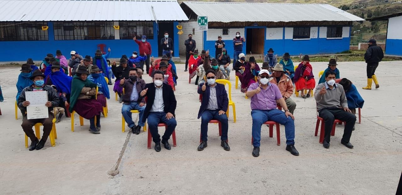 600 habitantes de la comunidad Azuay beneficiados con proyecto eléctrico