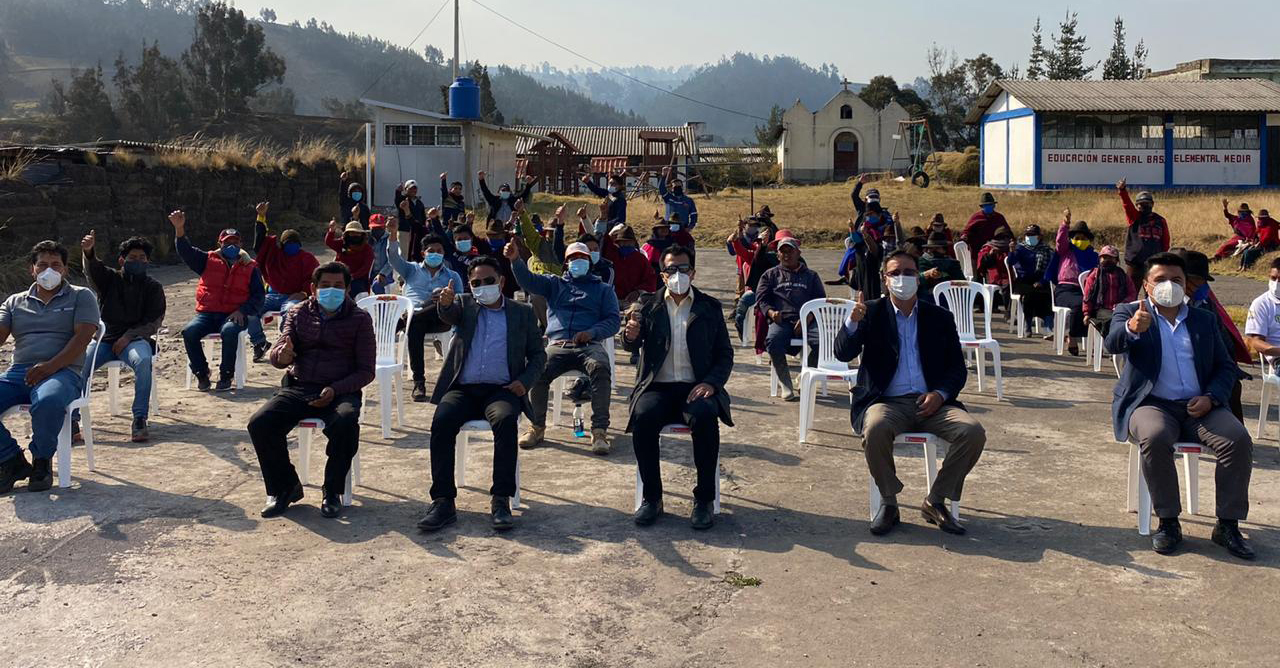 Más de mil habitantes de Colta se benefician con tres proyectos eléctricos