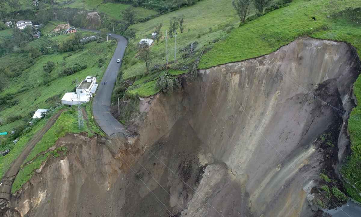 EERSA garantiza el fluido eléctrico tras el deslave en Chunchi
